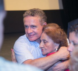 Rodolfo-abraza